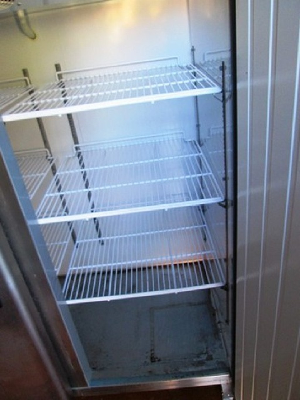 Stainless Steel Reach-In Refrigerater RTR# 7013892-02