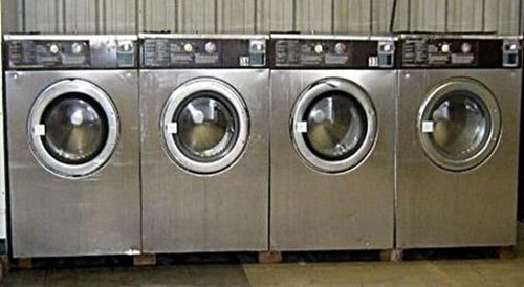 Coin Laundry Wascomat Front Load Washer White Side/Stainless Steel W184 USED