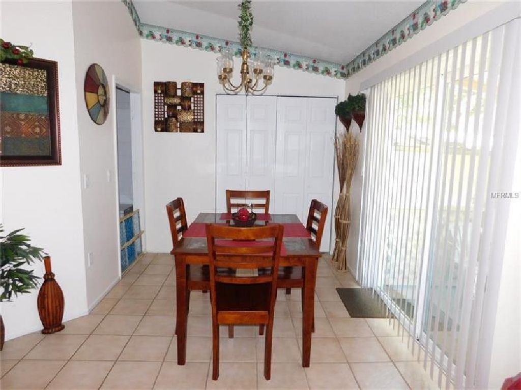 COZY HOME LOCATED NEAR SCHOOLS,SHOPPING,AND POST OFFICE