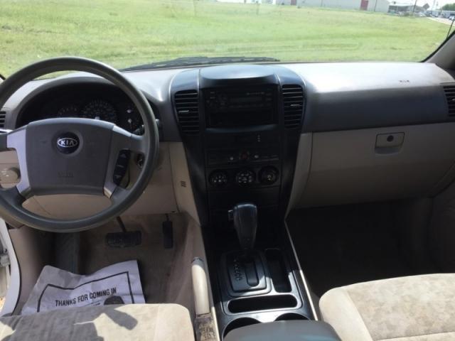 2004 Kia Sorento 4dr LX Auto