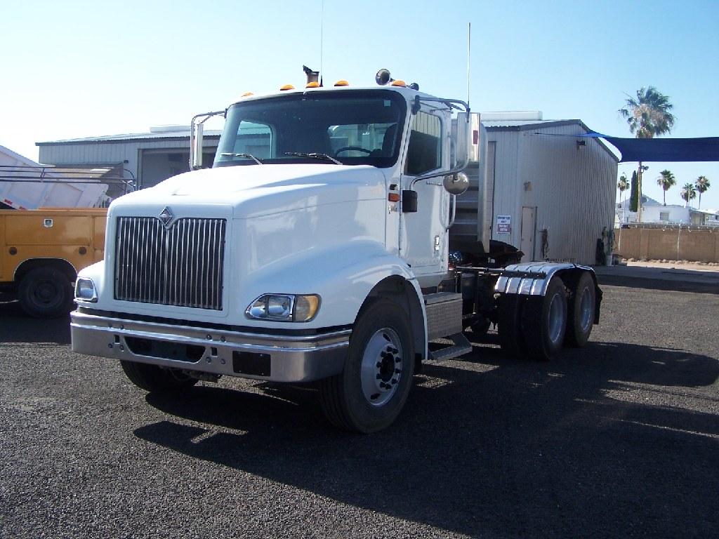 2005 International 9200 I Low Mile Truck