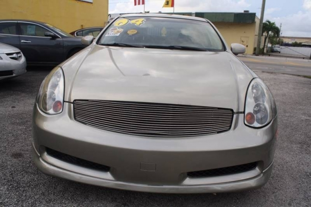 2004 Infiniti G35 Base RWD 2dr Coupe