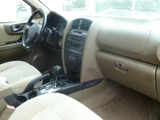 2005 Hyundai Santa Fe 4dr GLS 4WD 2.7L Auto