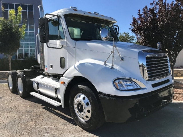 2005 Freightliner COLUMBIA DAYCAB