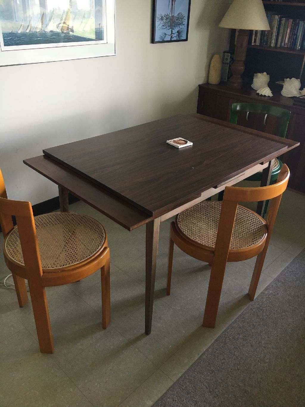 3 chairs + table