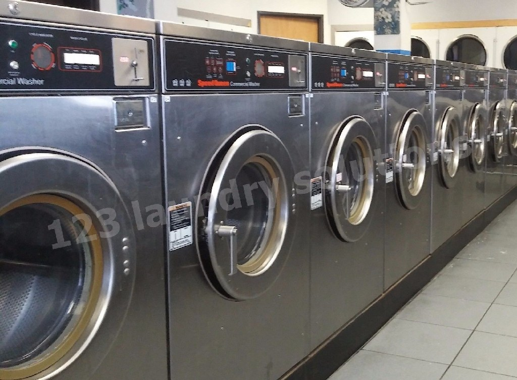 Coin Laundry Speed Queen Front Load washer 30 lb SC30MD2OU6 0001 Used