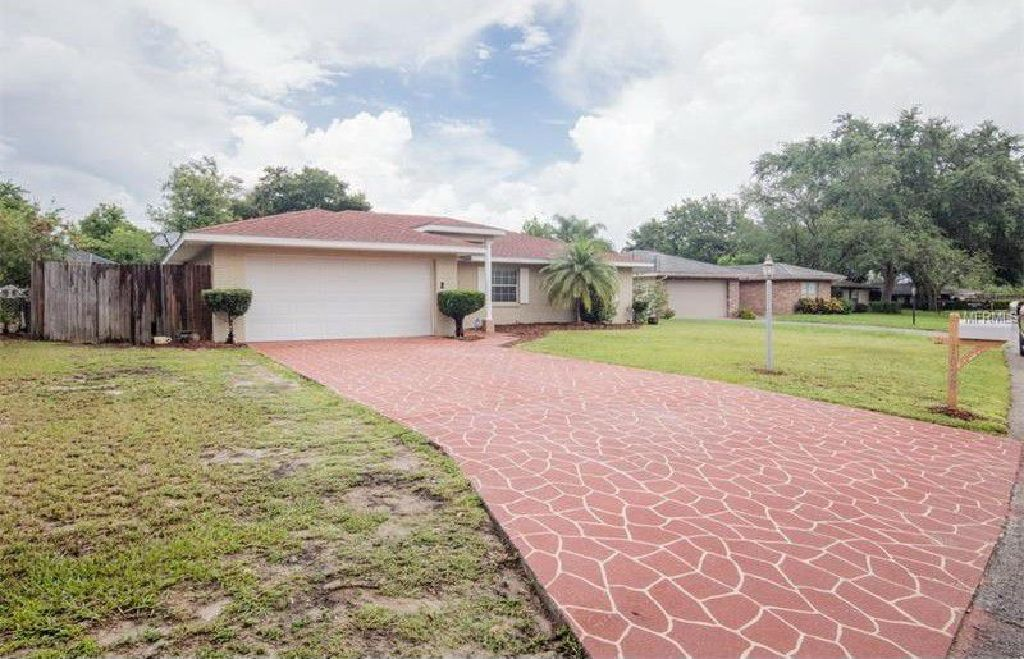 A Gorgeous fantastic upgraded with so much to offer pool home