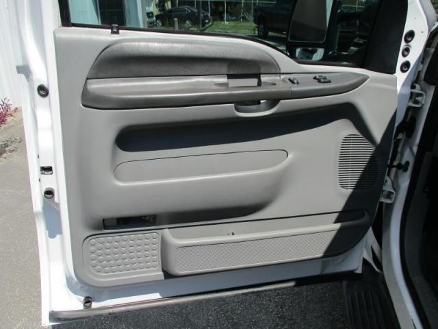 2003 FORD F550 XL REG CAB FLAT BED