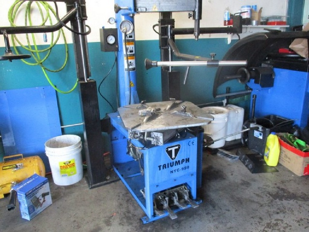 Automatic Tire Changer W/Dual Assist Arms RTR#6071397-01