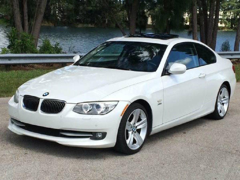 ** 2011 BMW 328I COUPE LIKE NEW **