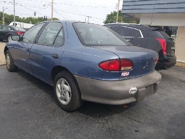 1998 Chevrolet Cavalier Base 4dr Sedan