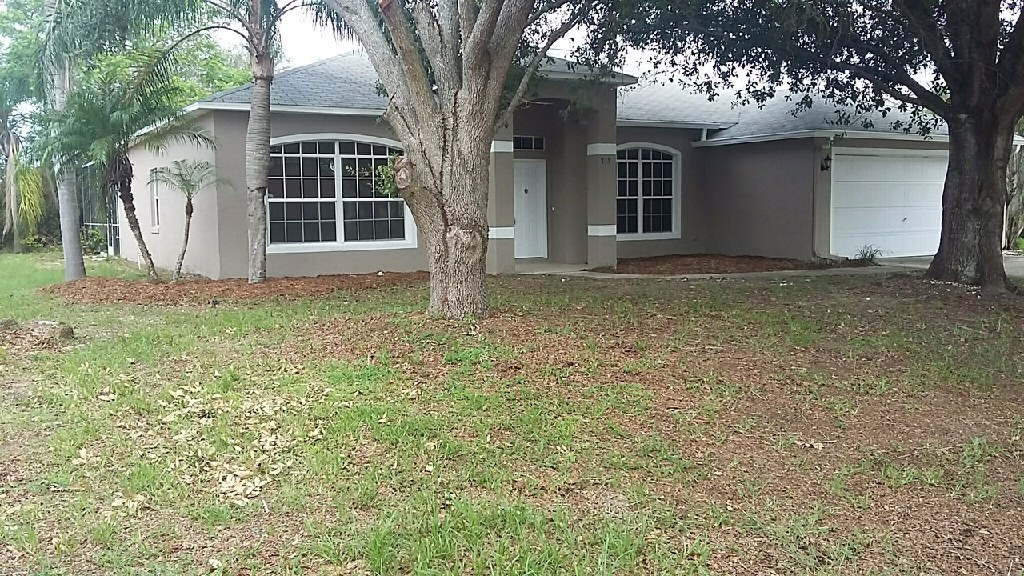 GREAT 3/2 HOME that is PRICED TO SELL!! Come see it TODAY!!