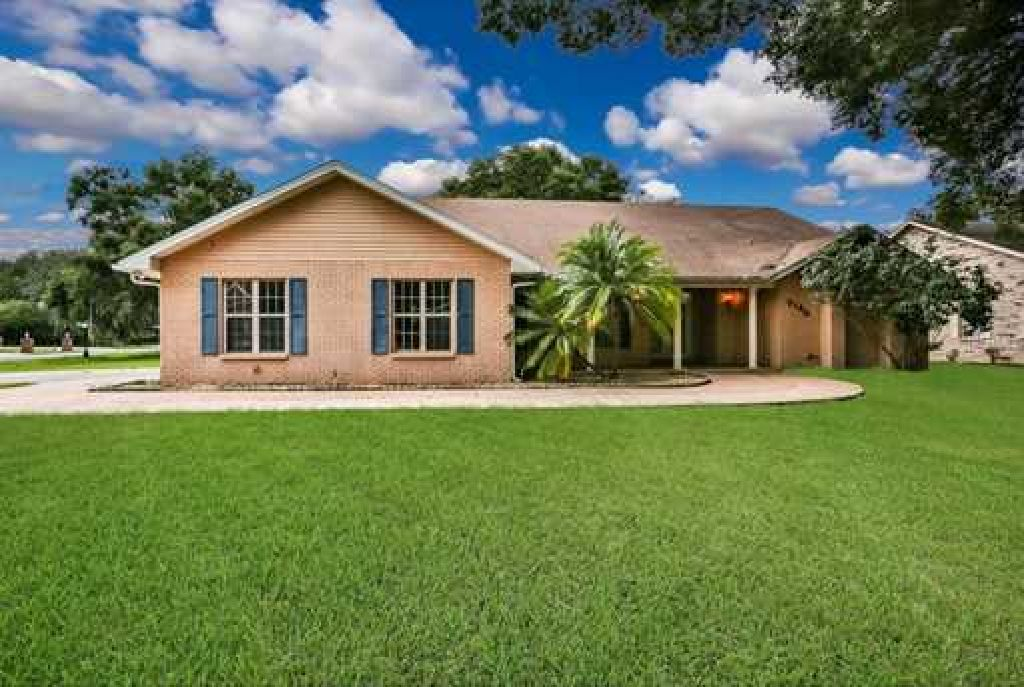 GORGEOUS POOL HOME WITH 3 CAR GARAGE BEAUTIFUL HOME