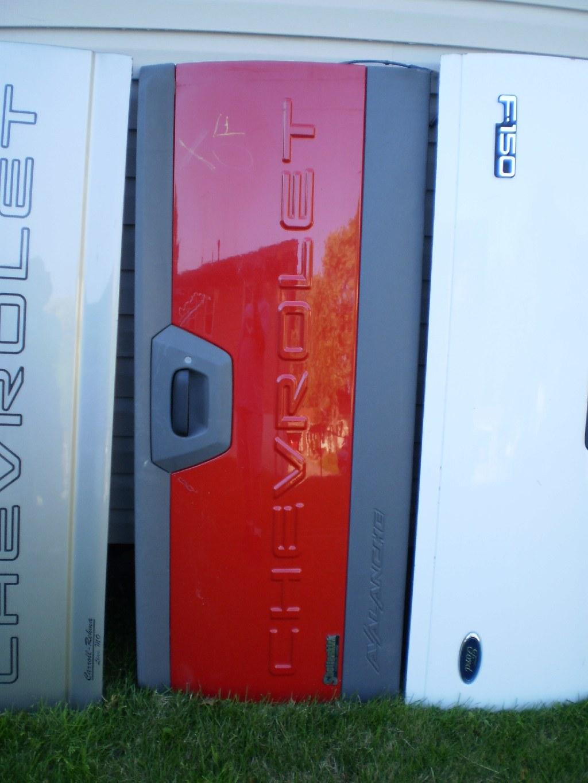 2002-2006 CHEVROLET AVALANCHE TAILGATE OEM SUV TRUCK RARE