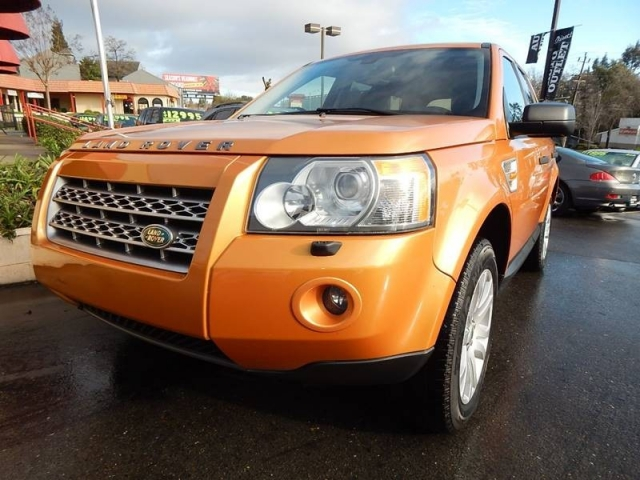 2008 Land Rover LR2 SE AWD 4dr SUV w/TEC Technology Package