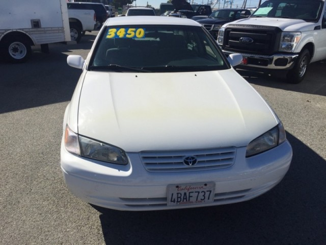 1998 Toyota Camry 4dr Sdn LE Auto
