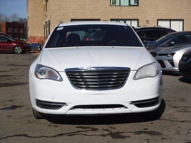2011 Chrysler 200 LX 4dr Sedan