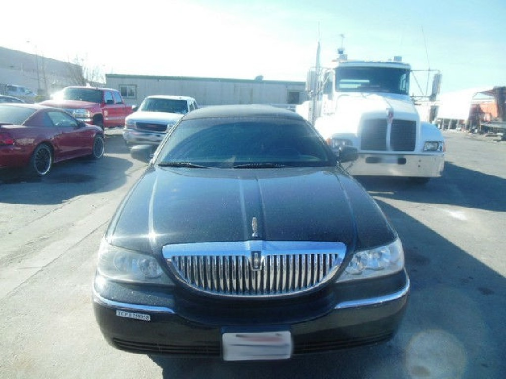 "2008 Lincoln Town Car 72"" Executive Limousine RTR#7031204-01"