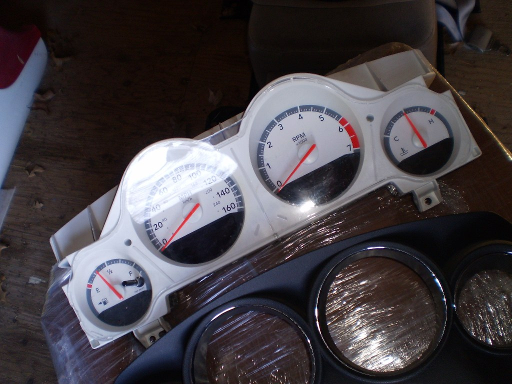 09 DODGE CHARGER SPEEDOMETER CLUSTER MPH 160 MPH W/POLICE PACKAGE 623830 WITH BEZEL