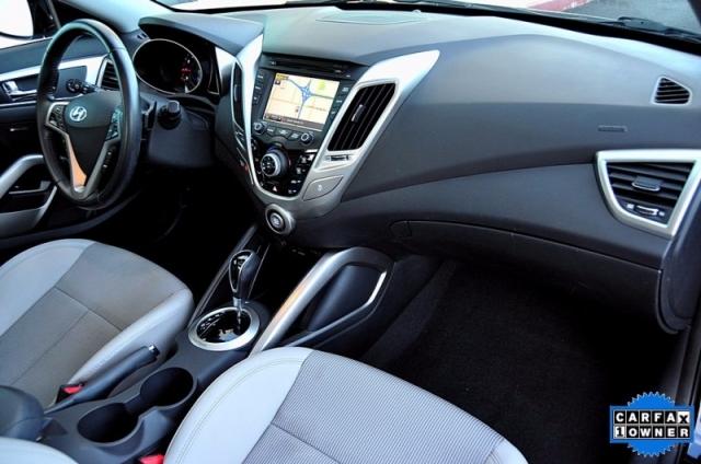2013 Hyundai Veloster - Navigation - Pano Roof