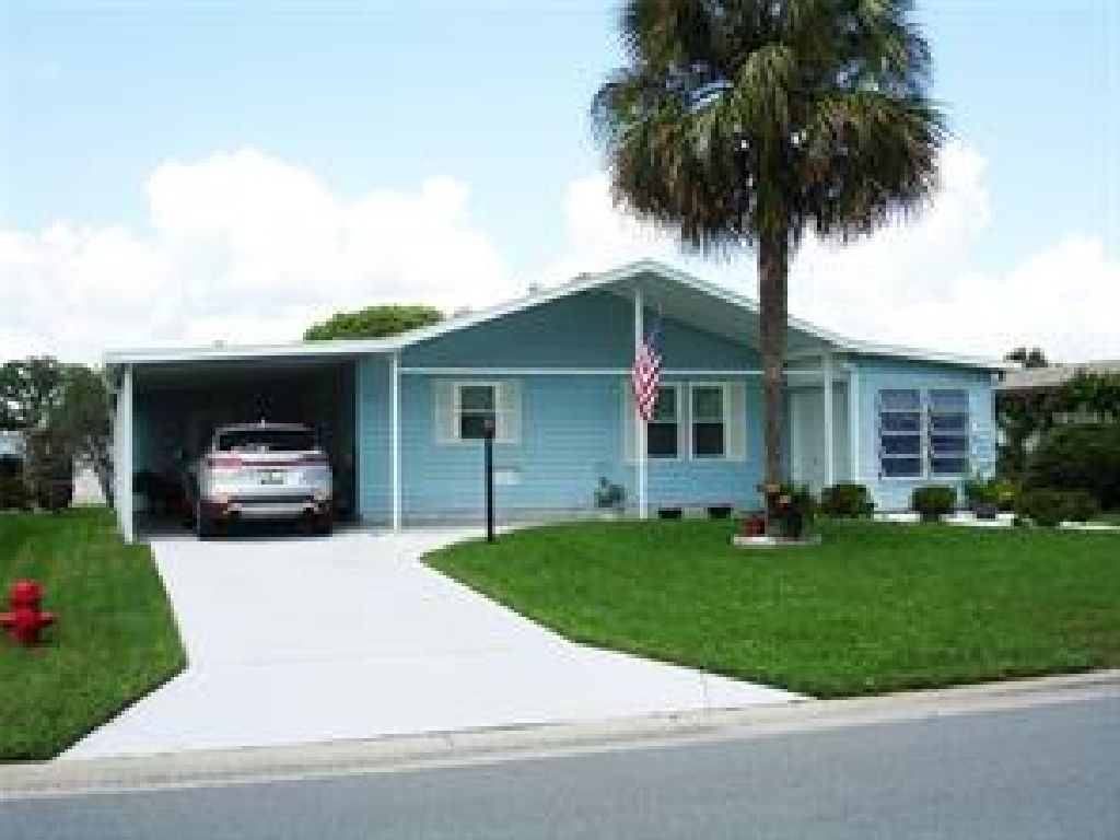 LOVELY UPDATED SPOTLESS CLEAN SITE BUILT 2/2 HOME