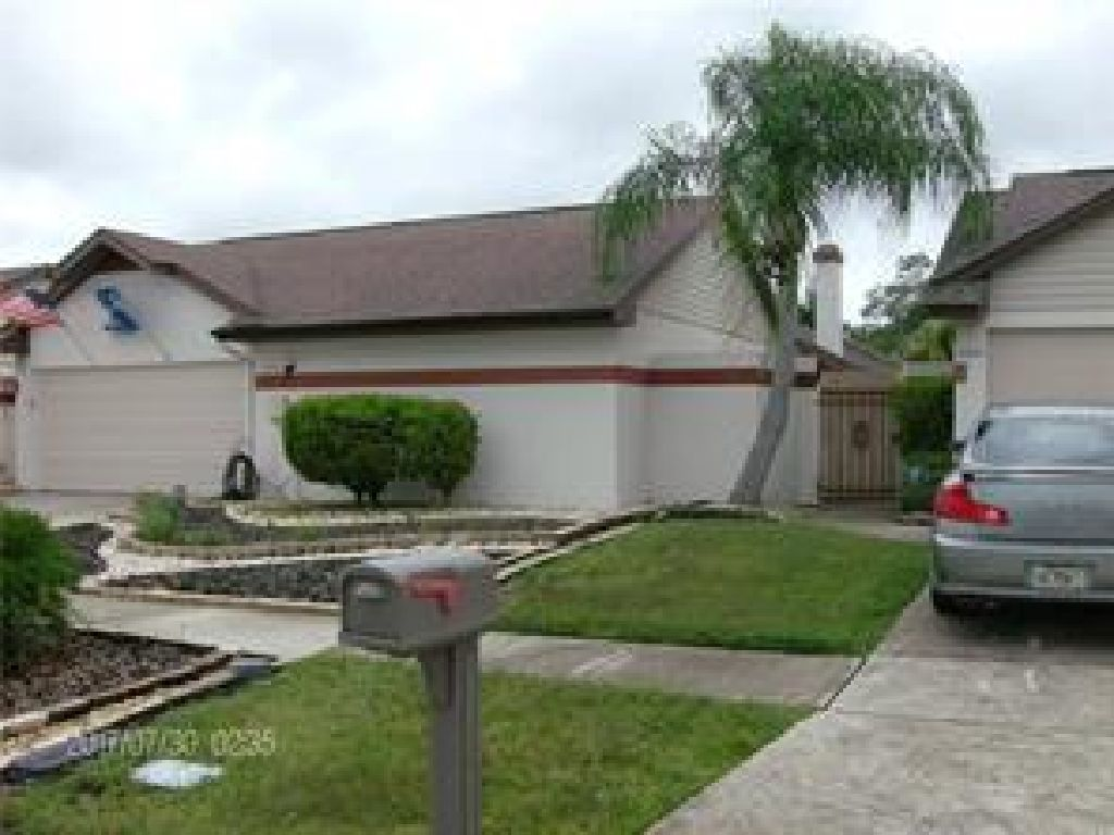 BOUNTIFUL UPGRADES UPDATED OFFERS BEST EVERYTHING ENJOY THIS 3/2 HOME