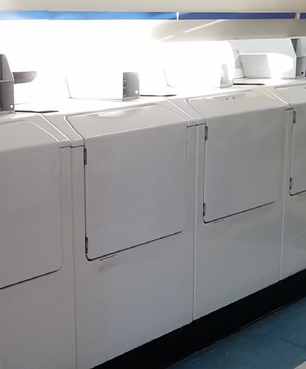 Coin Laundry Maytag Neptune Commercial Washing Machine Model MAH21PDAWW