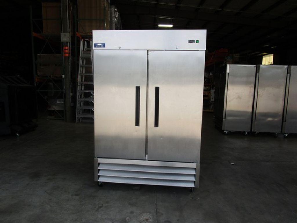 Arctic Air 2 Door Reach In Freezer W/Casters RTR#7053812-01,02