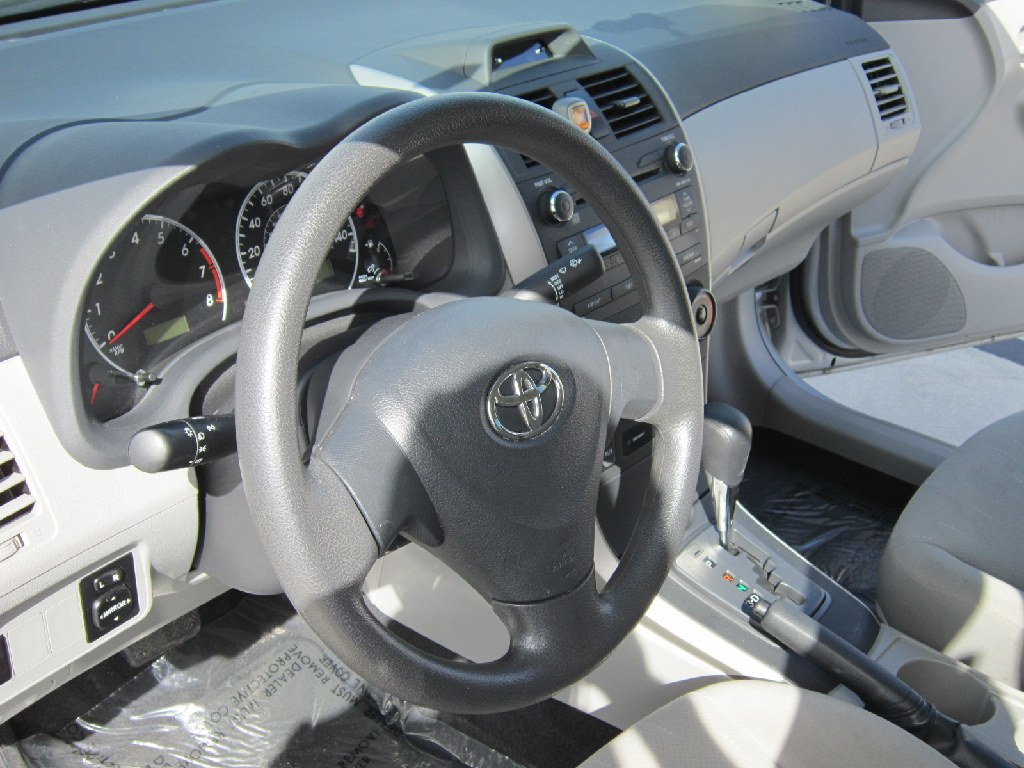*** 2013 TOYOTA COROLLA LE**SALE TODAY**LOW MILES**CLEAN TITLE ***