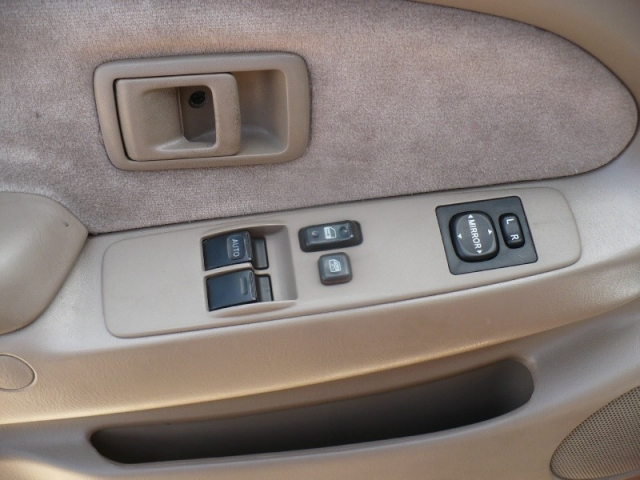 2002 Toyota Tacoma XtraCab PreRunner V6 Auto (Natl)