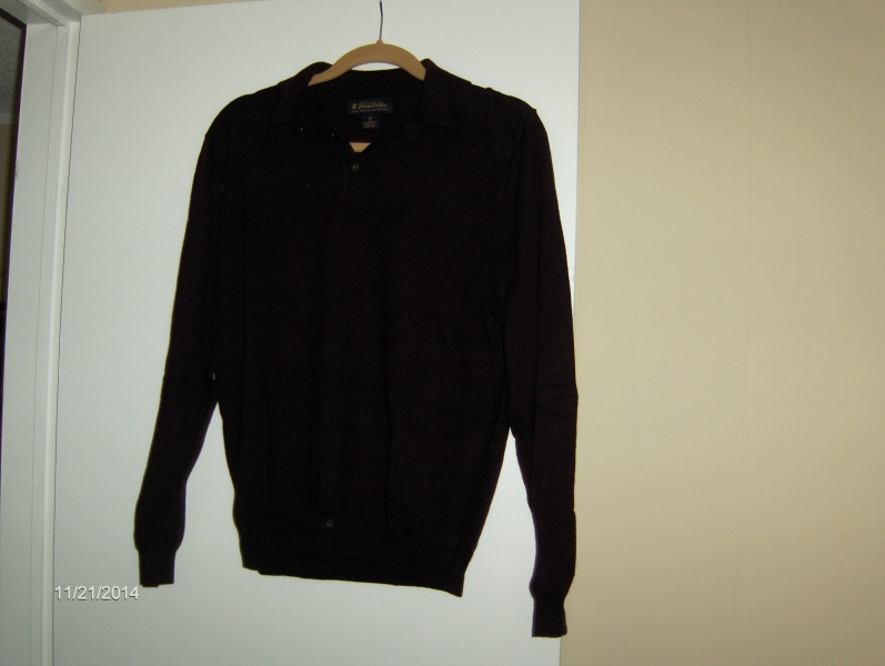 """""""WOW"""" BROOKS BROTHERS SWEATERS (VERO BEACH) LIKE NEW MAKE A GREAT GIFT!! """"MAKE ME A REASONABLE OFFER"""""""