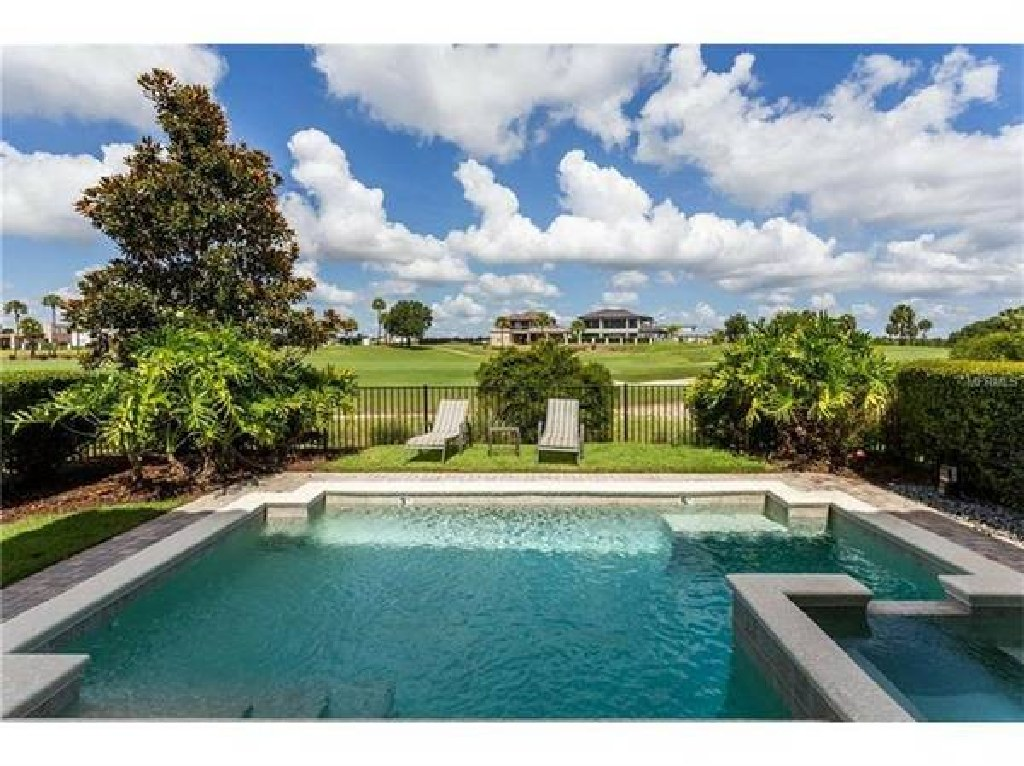 Home 4BR/4BA with Amazing Golf View.