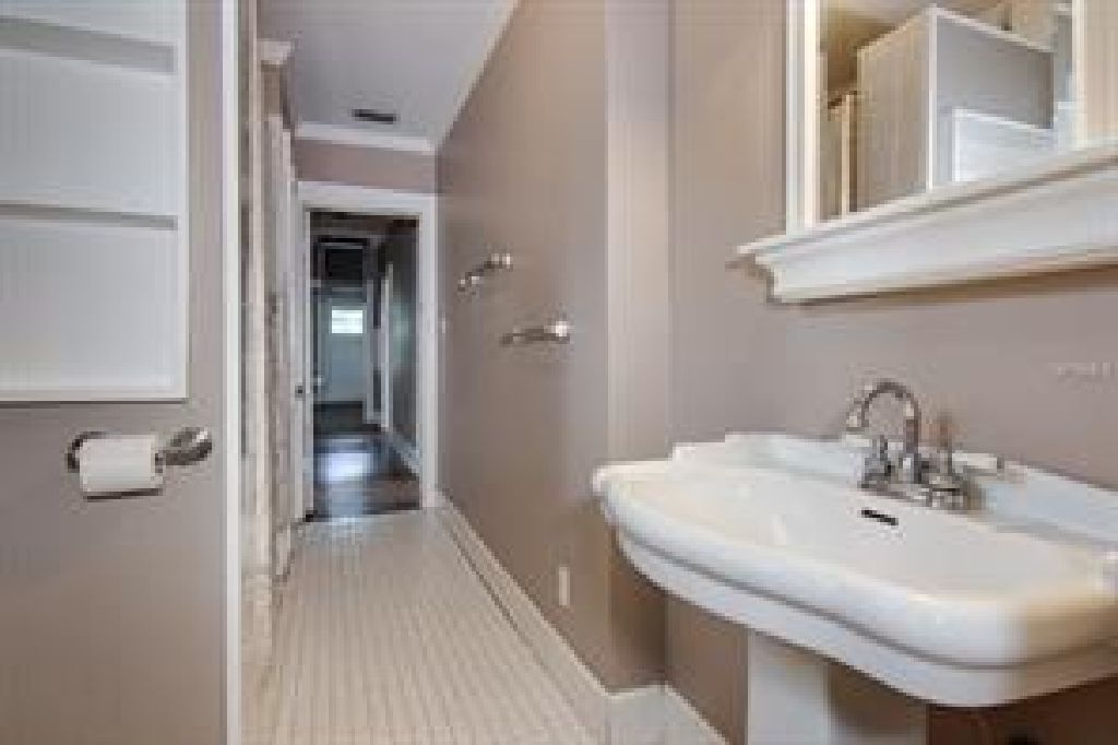 great location front porch overlooking in a quiet street home