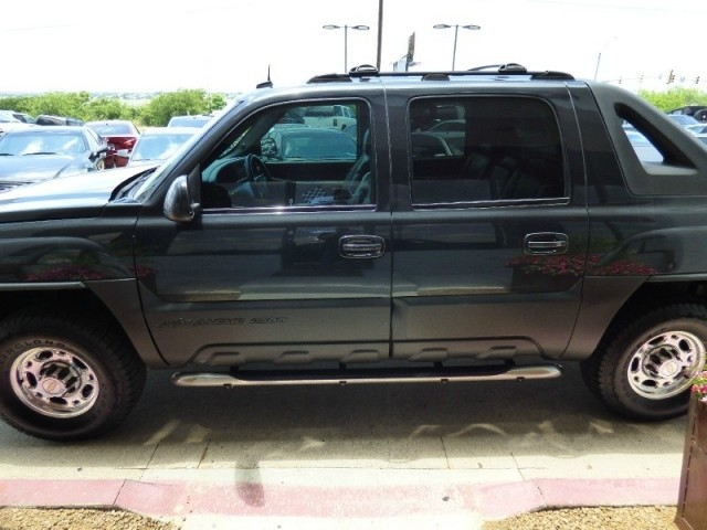 """2003 Chevrolet Avalanche 2500 5dr Crew Cab 130"""" WB 4WD"""
