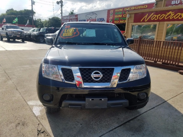 2014 Nissan Frontier 2WD Crew Cab SWB Manual SV