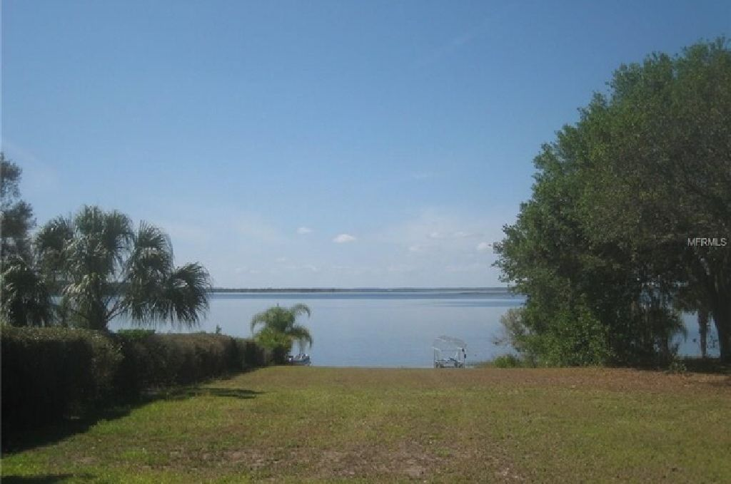 WONDERFUL FEATURES ACRE LOT UPDATED ON CROOKED LAKE