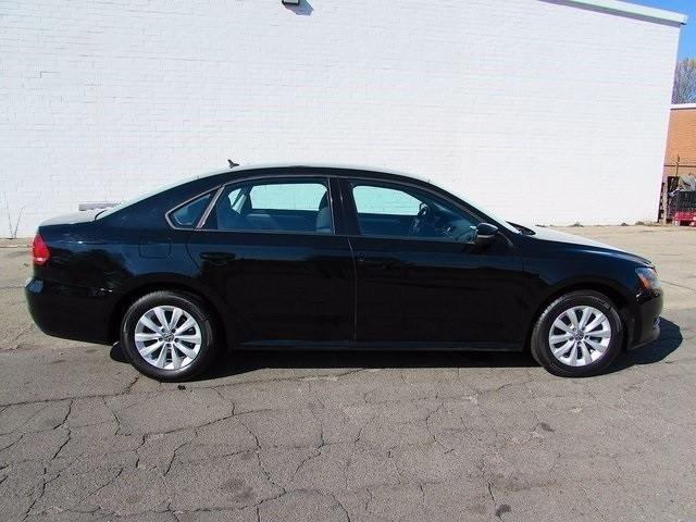 2013 Volkswagen Passat 4dr Sdn 2.5L Auto S w/Appearance PZEV *Ltd Avail*