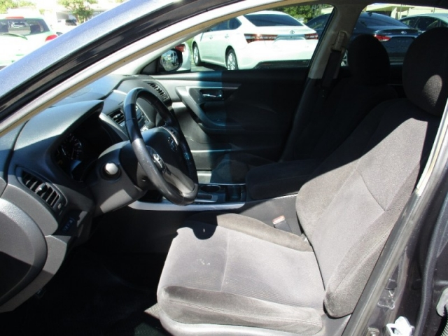 2013 Nissan Altima 4dr Sdn I4 2.5 SV