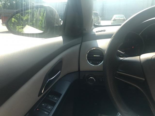 2011 Chevrolet Cruze 4dr Sdn LS