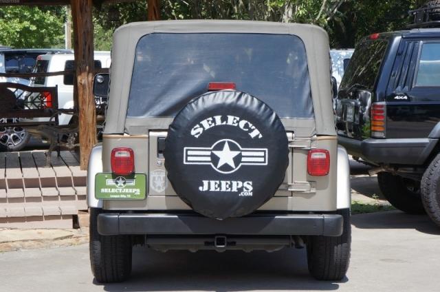 2004 Jeep Wrangler 2dr Sahara