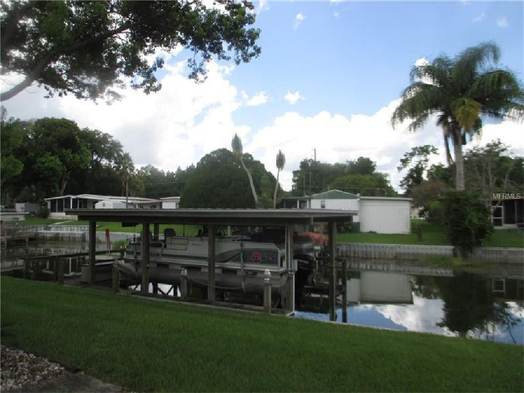 Great location All appliances included on wide deep water canal