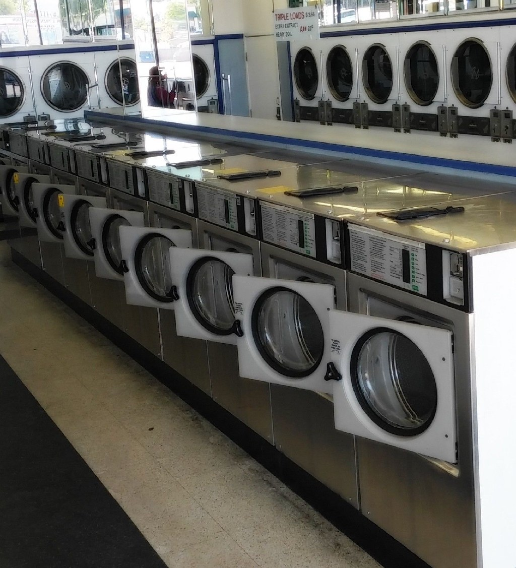 Coin Laundry Wascomat Front Load Washer W125 ES 220v 60Hz 3PH USED
