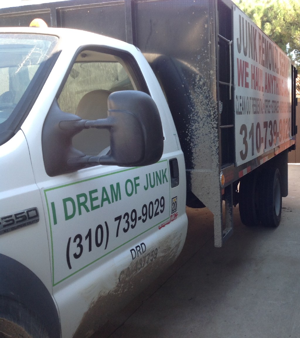 Hoarding cleanup / junk removal service