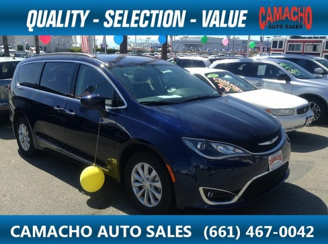 2017 Chrysler Pacifica 4d Wagon Touring-L