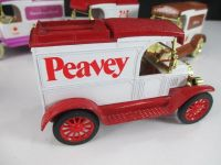 New ERTL 1913 Model T Delivery Locking Coin Bank Die-Cast Pearvey Truck