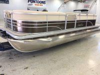 2017 SunChaser Classic Cruise 8522 Lounger Pontoons Boats Kaukauna, WI