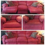 $650, Beautiful Sofa with recliners on each end