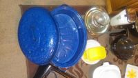 sale a lot of dishes for good price