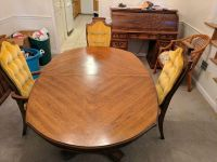 Dining table with 5 chairs (2 are captain's chairs)