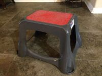 Rubbermade Step Stool